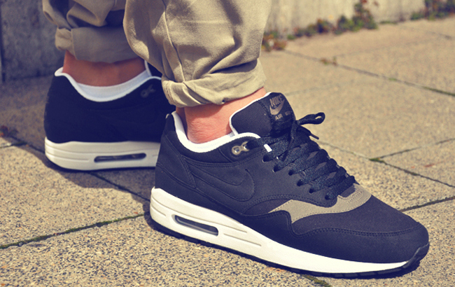 Air Max 2 (Nike Air Max Light