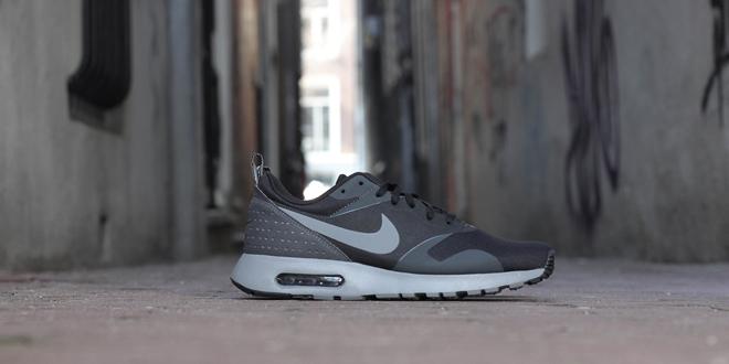 Nike Air Max Tavas Black Cool Grey