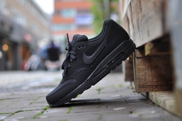 NIKE Nike AIR MAX 1 ESSENTIAL [TRIPLE BLACK