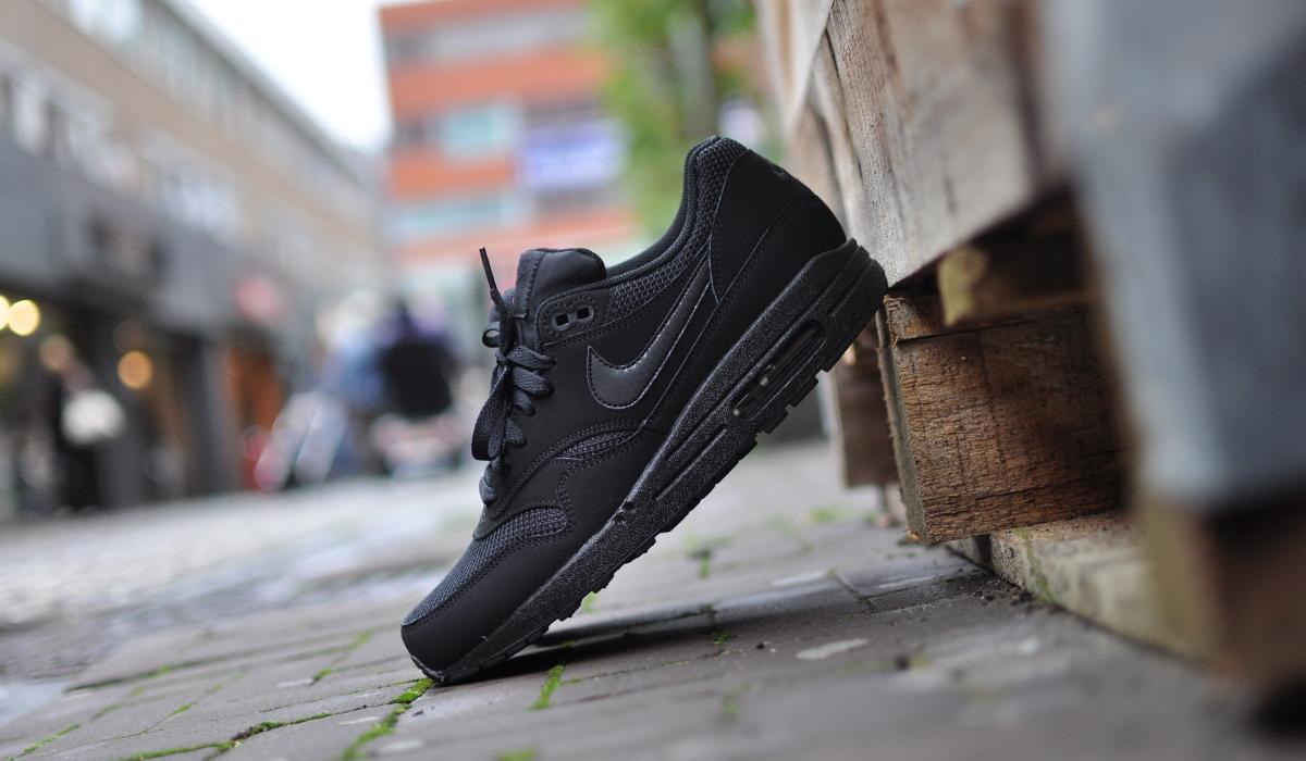 Nike Air Max 1 Gs Triple Black