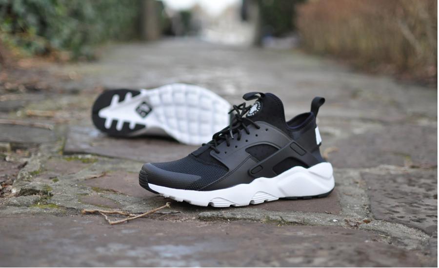 Nike Huarache Dames Zwart Met Witte Zool