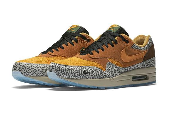 Nike Sneakers Safari
