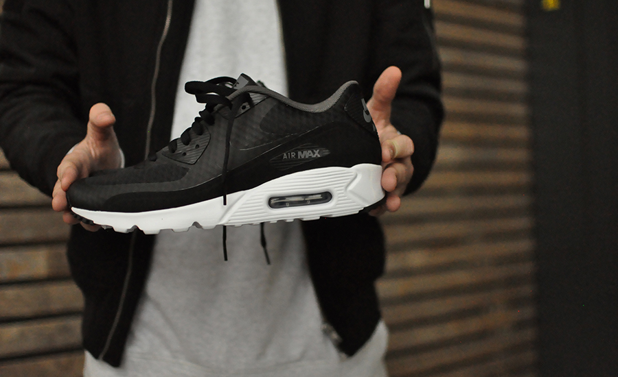Nike Air Max 90 Ultra Essential 819474-013 - Sneakers Blog