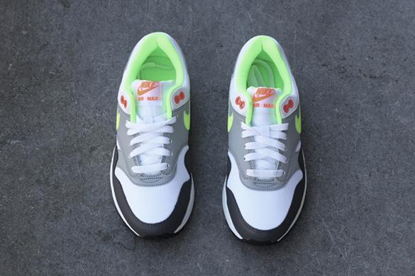 Nike Air Max 1 GS White Volt Total Orange
