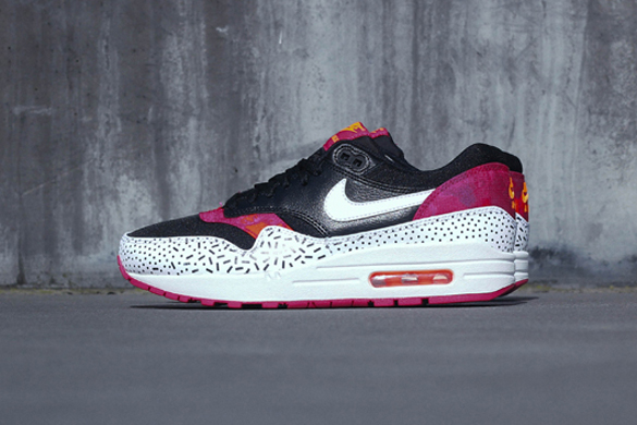WMNS Nike Air Max 1 Print Black Fireberry
