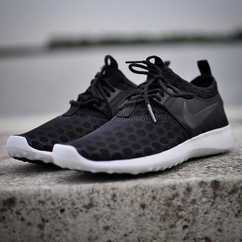 Nike Juvenate Zwart