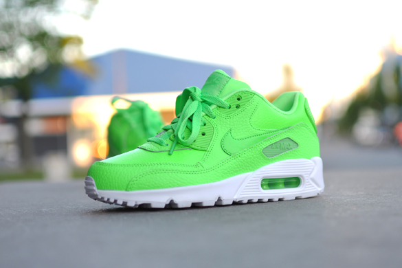 Nike Air Max 90 GS Voltage Green