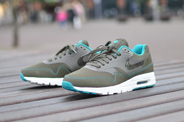 nike dames air max 1 ultra essentials donkergroen