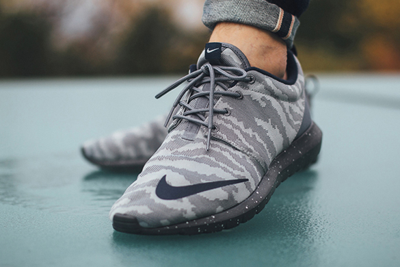 Nike Roshe NM FB