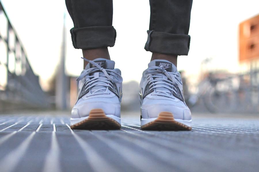 NIKE Air Max 90 Wolf Grey gum zool Sneakers Blog