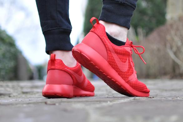 Nike Roshe One Hyper Red