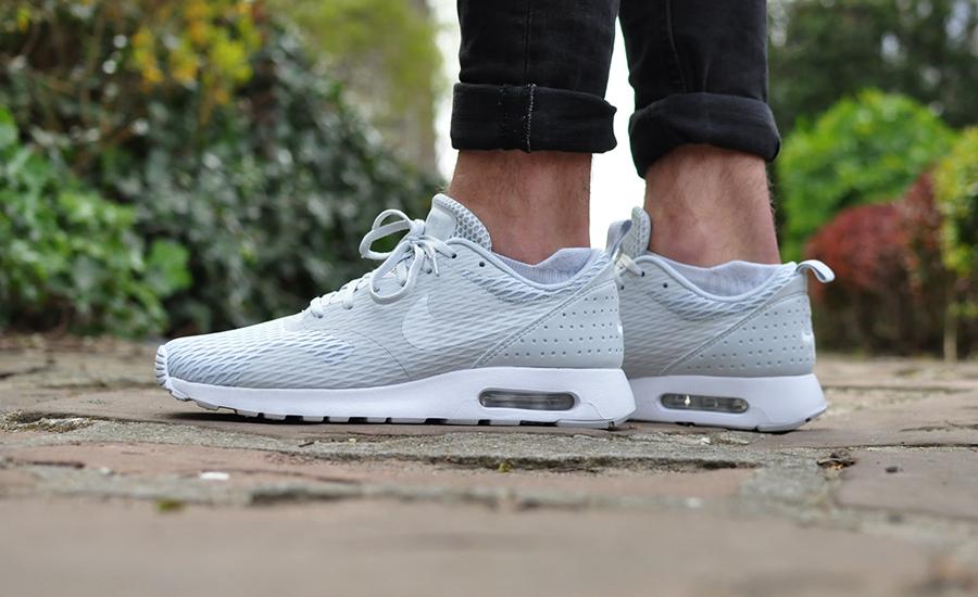 Nike Air Max Tavas SE Pure Platinum | Sneakersenzo