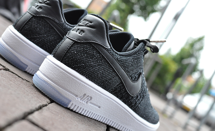 lowest price 57d7a d83fc Nike Air Force 1 Flyknit Black White