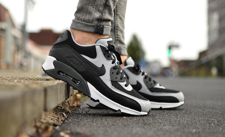 Nike Air Max 90 Essential 537384 053 Sneakers Blog