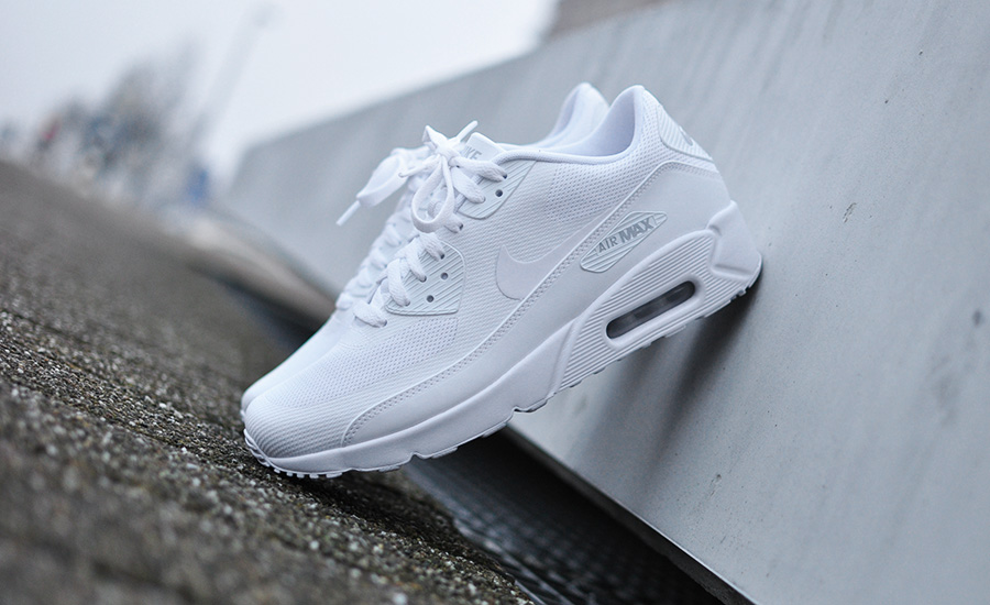 Nike Synthetic Air Max 90 Ultra Essential 2.0 in Blue for