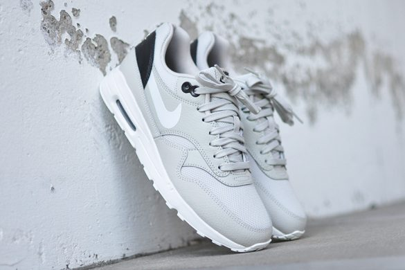 Nike Air Max 90 Leather 302519 113 Sneakers Blog