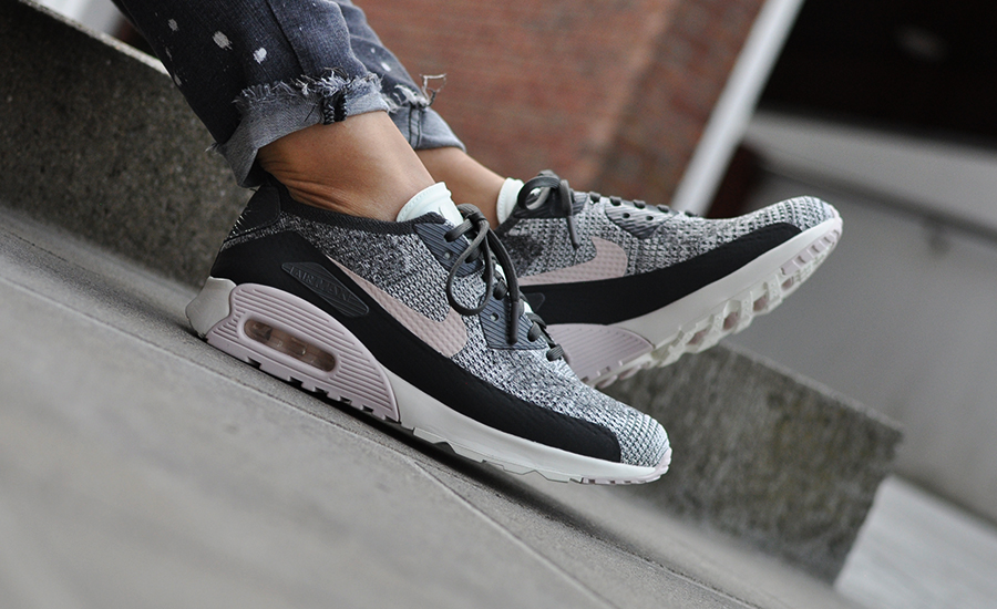buy online 31969 c8221 ... De Nike Air Max 90 Ultra 2.0 Flyknit 881109-003 shop je bij  Sneakersenzo.