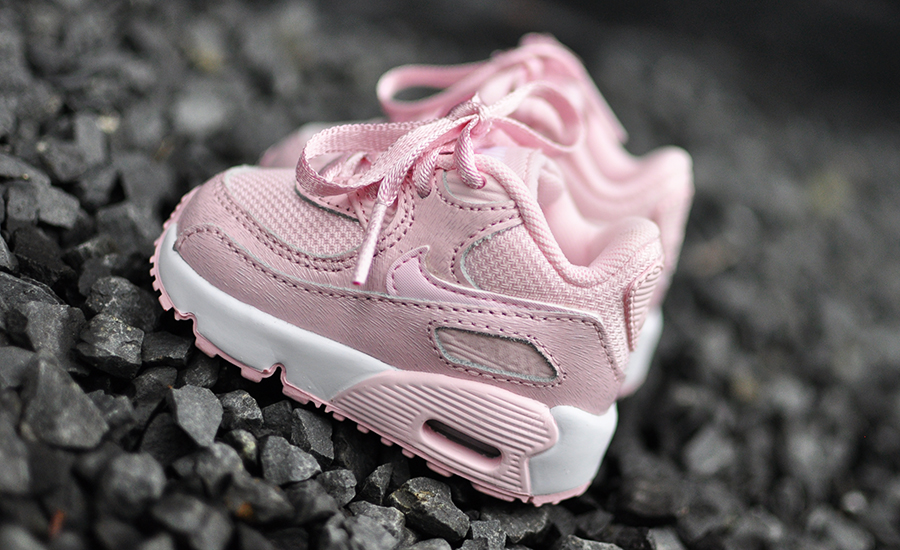 175c2c807061f0 Roze Kinder Nike Air Max 90 - Sneakers Blog