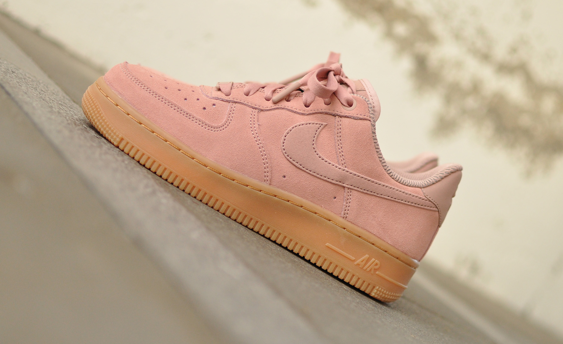 Nike Air Force 1 '07 SE AA0287-600 - Sneakers Blog