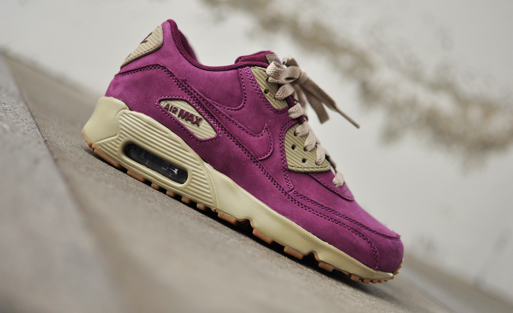 buy online 302f7 5b95a Nike Air Max 90 Winter Premium