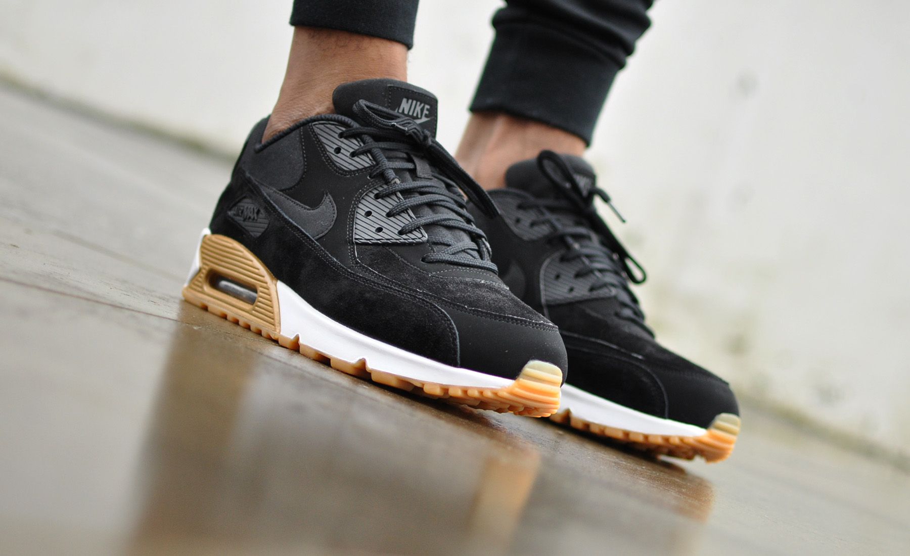 9649c269159 Nike Air Max 90 SE 881105-003 - Sneakers Blog
