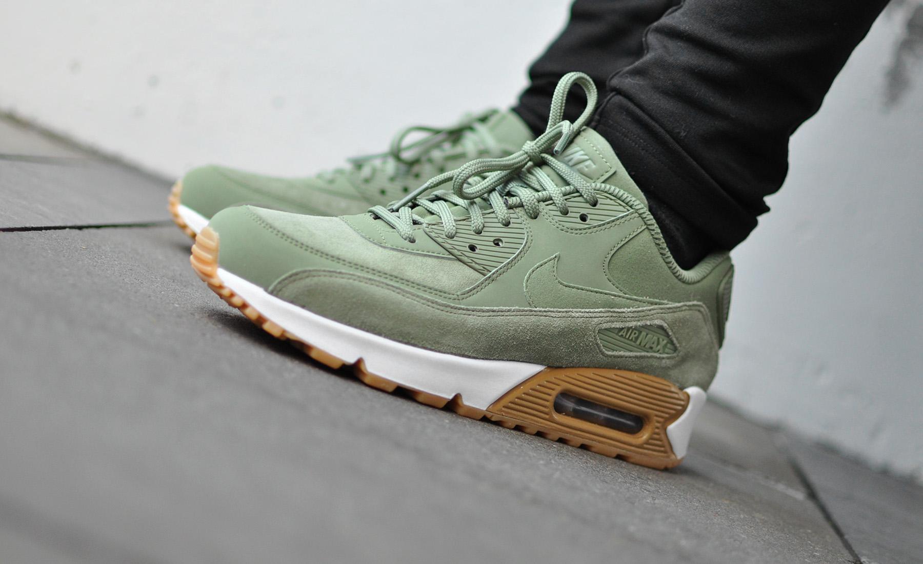 Nike Air Max 90 SE 881105 003 Sneakers Blog